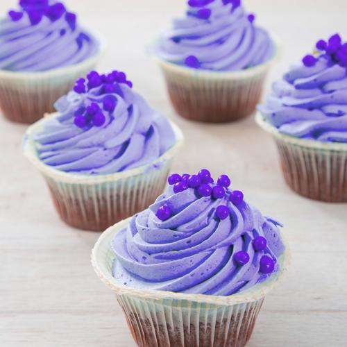 Paarse babyshower cupcakes for Decoratie cupcakes